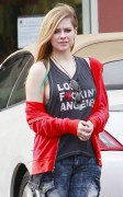 *Adds* Avril Lavigne out in Los Angeles 10/22/12