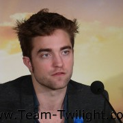 Imagenes/Videos Promocion de Amanecer Part 2 (USA) E3baa1218226312