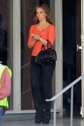 "6aac6d220430791 Jennifer Love Hewitt   in L. A. on ""The Client List"" set   Nov. 11, 2012   22 HQ candids"