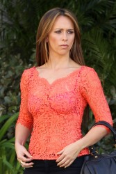 "8914ec220430819 Jennifer Love Hewitt   in L. A. on ""The Client List"" set   Nov. 11, 2012   22 HQ candids"
