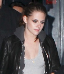 Kristen Stewart - *ASS* in tight jeans out in New York (13.12.2012)