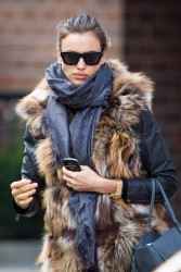 Irina Shayk Shopping In NYC December 19, 2012 HQ x 19