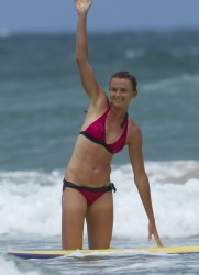 c226dc228811075 Daniela Hantuchova ~ Bikini at the beach / Brisbane, Dec 27 '12 candids