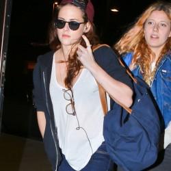 Kristen Stewart - Imagenes/Videos de Paparazzi / Estudio/ Eventos etc. - Página 31 4f24ac229009385
