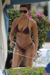 Vida Guerra In A Bikini In Hawaii December 30, 2012 HQ x 9
