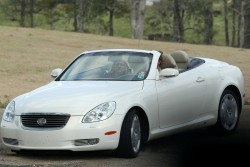 Britney Spears with Jamie Lynn - out for a drive in Louisiana 4/1/13