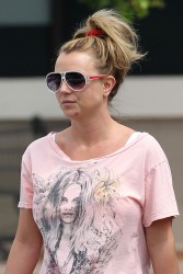 Britney Spears - Shopping in LA 4/4/13