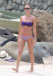 Jessica Alba | Purple Bikini | St Barts | 07.04.2013 | 68mq