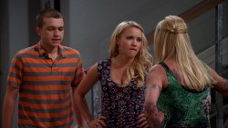 "Emily Osment - ""Two and a Half Men"" S10E20 appearance caps ..."