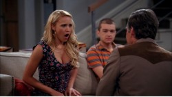"1369c4247810721 Emily Osment – ""Two and a Half Men"" S10E20 appearance in Los Angeles, April 4, 2013 candids"