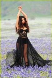 Selena Gomez- Come &amp;amp; Get It Video Shoot Pictures