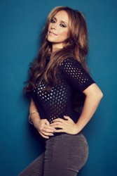 Jennifer Love Hewitt Looking Nice in Jeans - New Outtake From The Stndrd Magazine Photoshoot