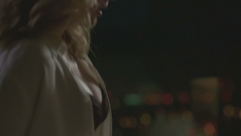 Gillian Anderson - Busty in Bra - The Fall S01e02 - HDCaps - 20/5/13