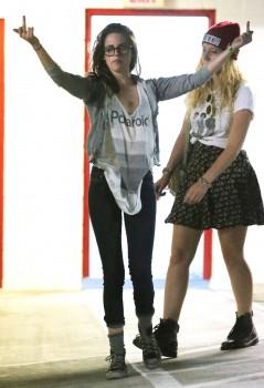 Kristen Stewart - Imagenes/Videos de Paparazzi / Estudio/ Eventos etc. - Página 31 4d7f32256029608