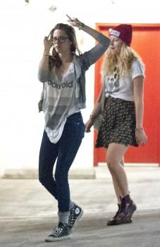 Kristen Stewart - Imagenes/Videos de Paparazzi / Estudio/ Eventos etc. - Página 31 A412ab256069053
