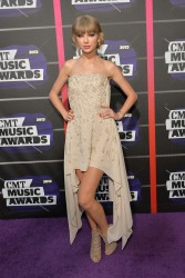 Taylor Swift - 2013 CMT Music Awards in Nashville 6/5/13