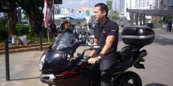 Ari Wibowo dan motor gedenya