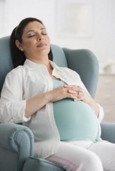 Posisi duduk saat hamil - Ist