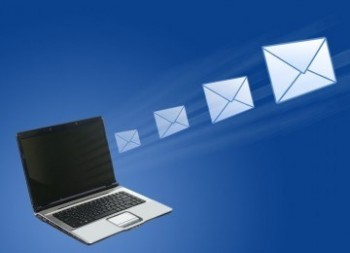Mengirim CV lewat email - Ist