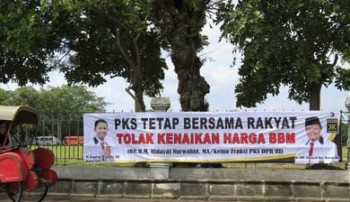 PKS tolak kenaikan bbm / Barata Media