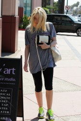 Dakota Fanning - out in LA 7/2/13