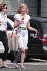 Elizabeth Banks - on the set of 'Love & Mercy' in LA 8/12/13
