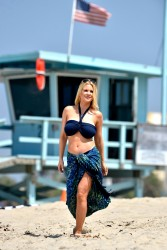 617228270454922 [Ultra HQ] Carrie Keagan   at a photoshoot in LA 8/13/13 high resolution candids