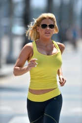 a72faf270458068 [Ultra HQ] Carrie Keagan   at a photoshoot in LA 8/13/13 high resolution candids