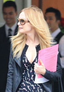 8dda11270677509 Heather Graham   out and about candids in Vancouver, August 14, 2013 high resolution candids