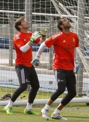 Iker Casillas , su novio - Página 3 443bf7270728323