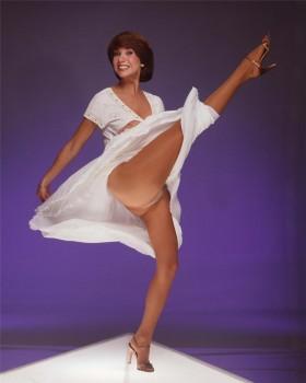 KATHIE LEE GIFFORD wow legs thighs upskirt panties