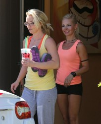 Britney Spears - Going to a dance studio in Thousand Oaks 9/6/13