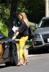 Hilary Duff - out in Los Feliz 9/15/13