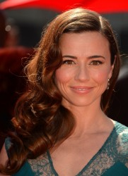 Linda Cardellini - 2013 Creative Arts Emmy Awards in LA 9/15/13