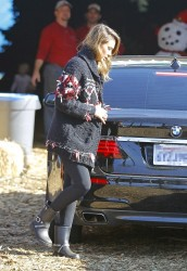 Jessica Alba - out in Santa Monica 12/8/13