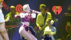 Miley Cyrus - KIIS FM Jingle Ball - 12.6.13 - 1080p HOT!!!