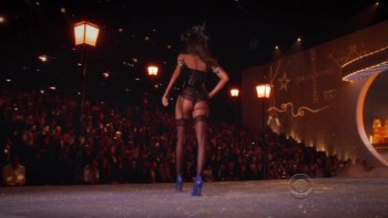 2013 VICTORIA'S SECRET FASHION SHOW HD
