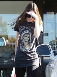 Kendall Jenner - Shopping at CVS in Calabasas 12/12/13