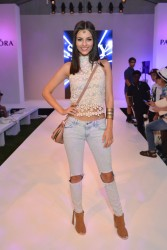Victoria Justice - Siwy Denim fashion show 4/10/15
