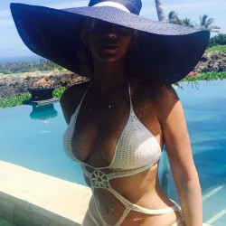 Beyonce - Pictures From Hawaii Vacation 2015