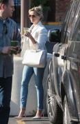 Reese Witherspoon Sips on a green juice in Los Angeles April 16-2015 x43