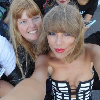 Taylor Swift | Cute Selfie with Cleavage