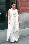 Kim Kardashian Leaves her apartment in New York April 24-2015 x24