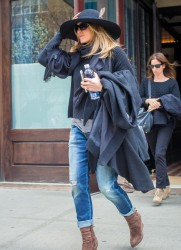 Jennifer Aniston - Leaving her hotel in NYC 4/27/15