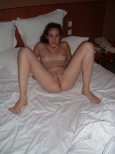 http://thumbnails105.imagebam.com/40842/b29c4a408419174.jpg