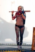 "Margot Robbie - Filming A Rainy ""Suicide Squad"" Scene in Toronto 5/9/15"