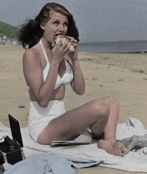 Rita Hayworth - Colored Picture - x 1