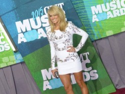 Carrie Underwood - 2015 CMT Music Awards in Nashville 6/10/15