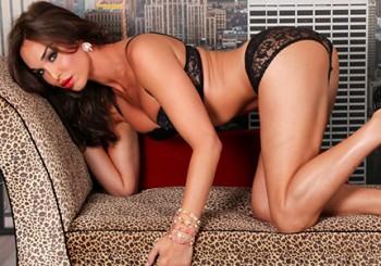 Stunning Jonelle Brooks