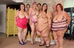f7c3cd444296018 - Super-Sized Orgy